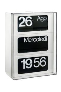 Linea 60 è una linea di orologi calendario con meccanismo a